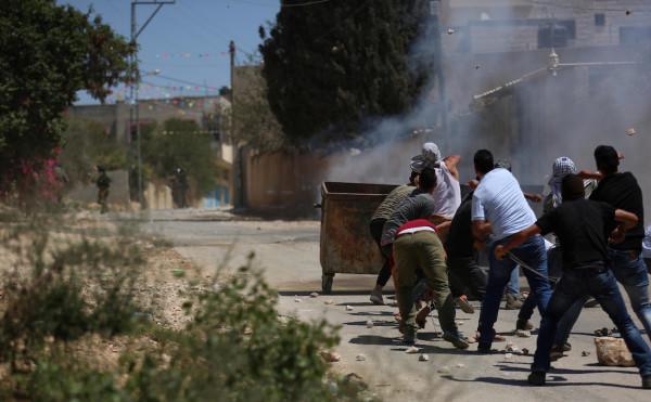 اصابة أربعة شبان برصاص الاحتلال واخرين بالاختناق خلال قمع الاحتلال لمسيرة كفر قدوم