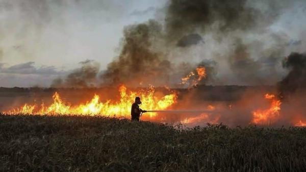 شاهد: تضرر معدات زراعية بغلاف غزة بسبب البالونات الحارقة