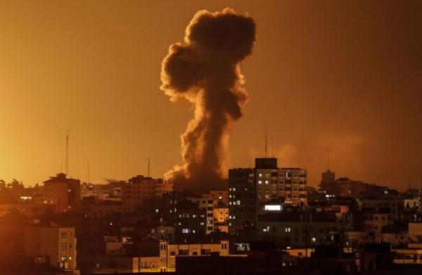 شاهد: أربع إصابات في قصف إسرائيلي على قطاع غزة