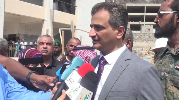 المحافظ لملس يضع حجر الأساس لأربعة مشاريع تعليمية تربوية في مديريات عدن