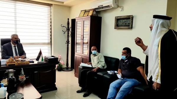 وزير الحكم المحلي يباشر عمله من مديرية بيت لحم ويتابع قضايا المواطنين