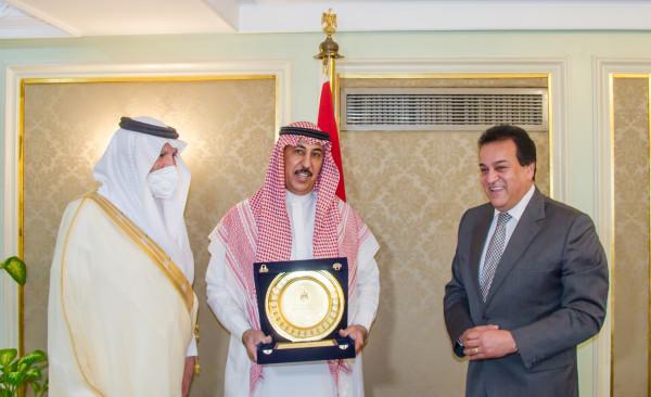 وزير التعليم العالي يستقبل سفير خادم الحرمين الشريفين والملحق الثقافي بالقاهرة