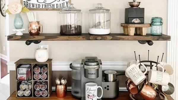 لعشاق القهوة: 30 فكرة مميزة لتصميم ركن للقهوة في منزلك
