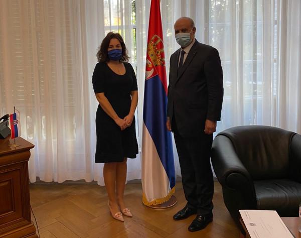 السفير الهرفي يسلم رسالتين هامتين إلى سفيري صربيا وكوسوفو لدى فرنسا