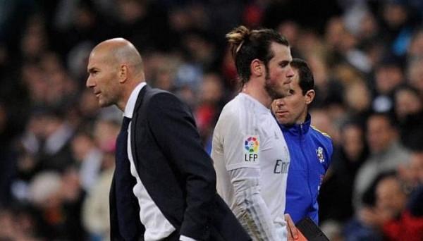زيدان يكشف حقيقة علاقته بغاريث بيل ويتبرأ من دفعه لمغادرة ريال مدريد