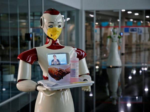 شاهد: في الهند... الروبوت (ميترا) يساعد مرضى (كورونا) على التواصل مع ذويهم