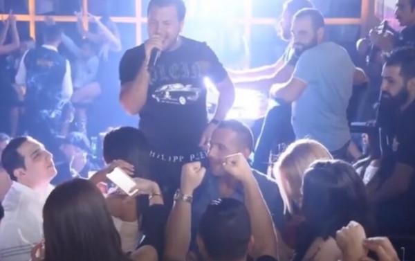 شاهد: بعد رقص مختلط .. حفل وديع الشيخ بسوريا يتحوّل لمعركة بالرشاشات