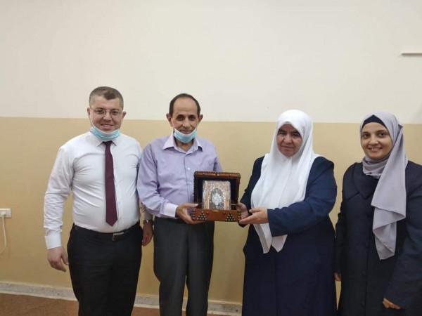 رئيس لجنة زكاة طولكرم المركزية يكرم مدراء مدارس الإسراء