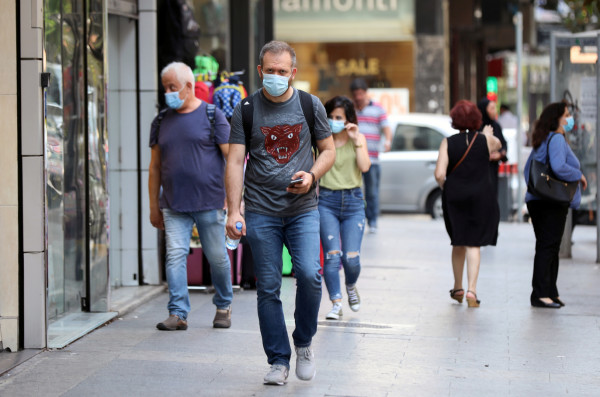 لبنان يُسجل رقماً قياسياً للإصابات بفيروس (كورونا)