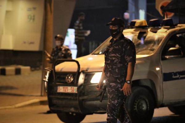 غزة: (مباحث كورونا) تُغلق 131 محلاً ومنشأة مُخالفة لإجراءات السلامة