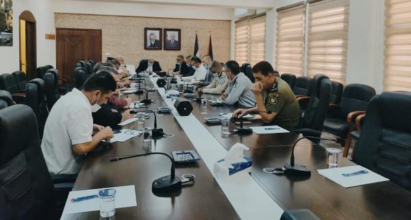 مساعد القائد الأعلى لقوى الأمن يتفقد محافظة الخليل
