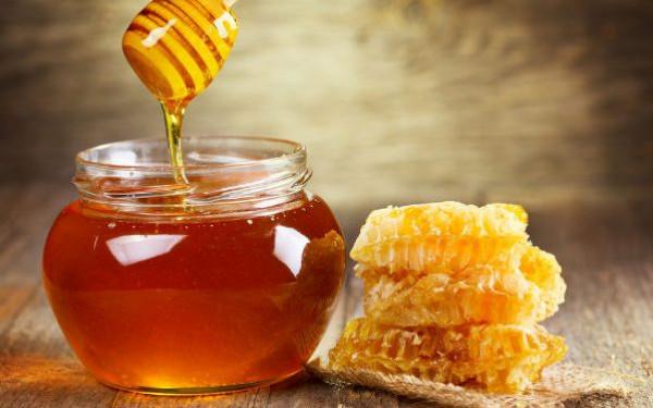"""علاج فعال لأغلب المشاكل الجمالية..""""العسل"""" كلمة السر"""