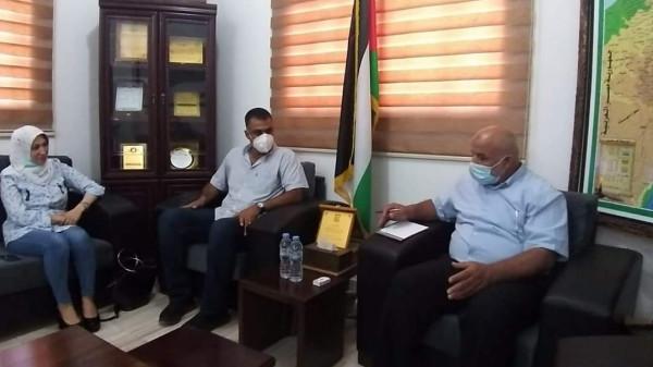 """هيئة المطاعم والفنادق بغزة تقدم رؤية """"العمل بظل كورونا"""" لوزارة الداخلية"""