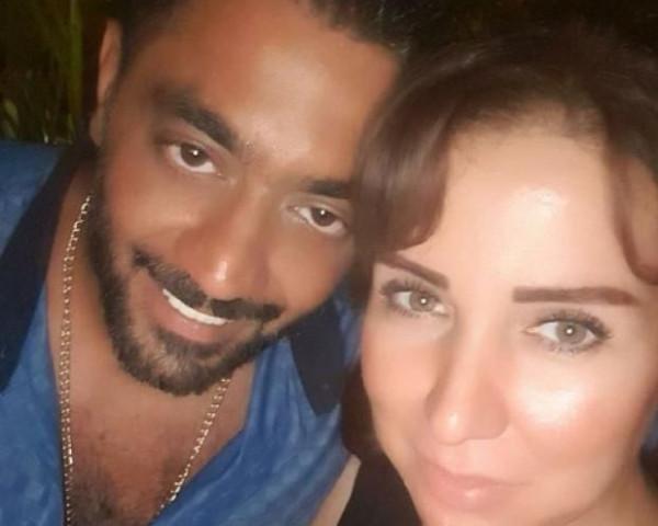 أحمد فلوكس يتغزل بزوجته الأولى بعد أنباء عودتهما: عاصمة كل شيء جميل