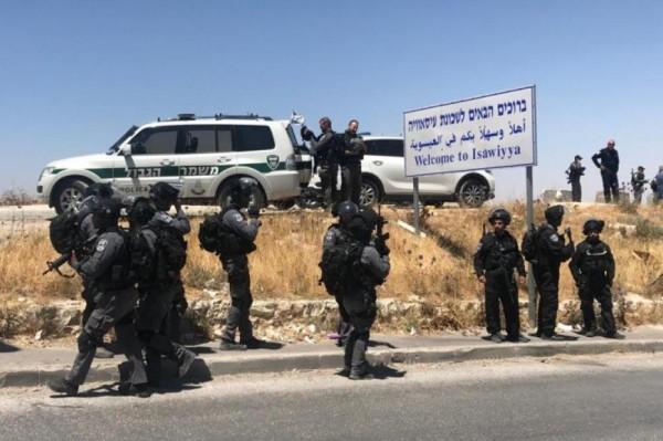 الاحتلال يعتقل سيدة وزوجها من العيسوية