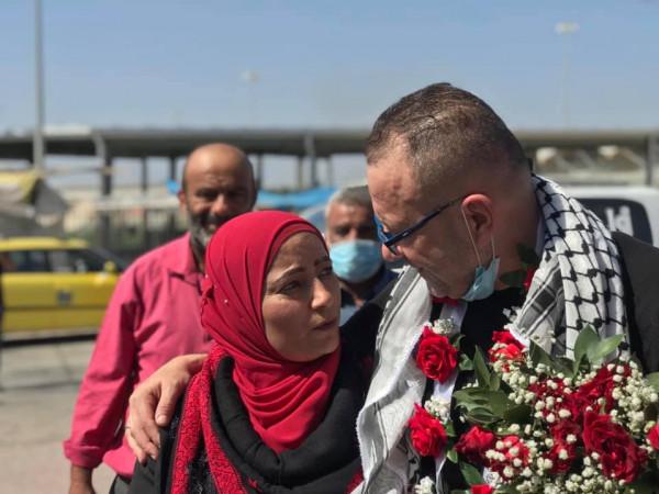 الاحتلال يفرج عن أسير من محافظة نابلس بعد قضائه 18 عاما في الأسر