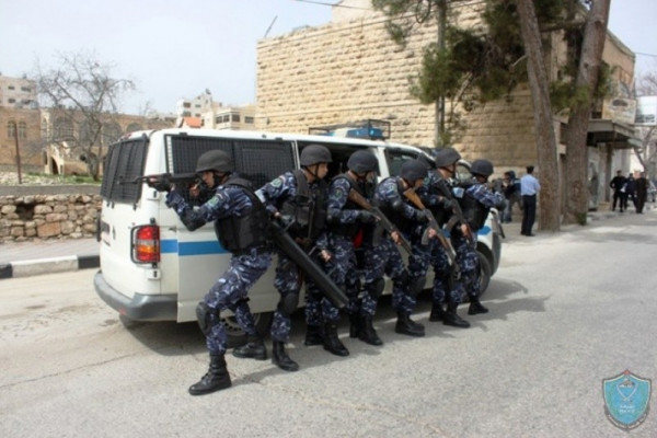 الشرطة تقبض على ثلاثة أشخاص مشتبه بهم بإطلاق نار بنابلس