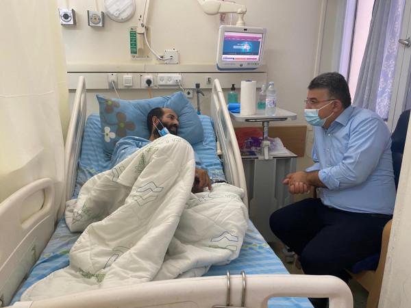 جبارين يلتقي الأسير المضرب عن الطعام ماهر الأخرس باليوم الـ 65 لإضرابه