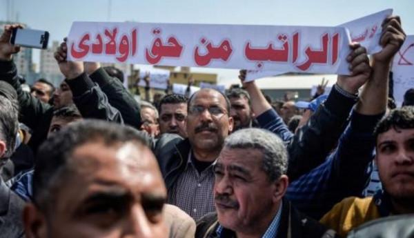 قيادي بفتح: الذي أعطى تعليمات لموظفي غزة بالجلوس بالبيوت عليه تحمل مسؤولياتهم