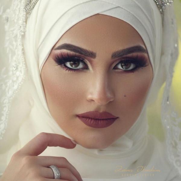 مكياج عيون مثالي للعروس المحجبة السمراء