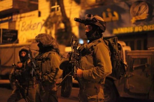 الاحتلال يعتقل أربعة مواطنين من العيسوية