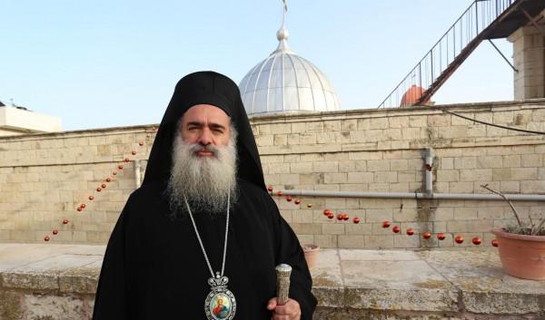 """المطران حنا : """" القدس تمر بمرحلة تدمير ممنهج لاقتصادها"""""""