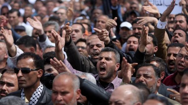 """نقابة الموظفين: تصريحات الوزير مجدلاني """"خطيرة ووقحة"""" وتتجاوز كل المعايير"""