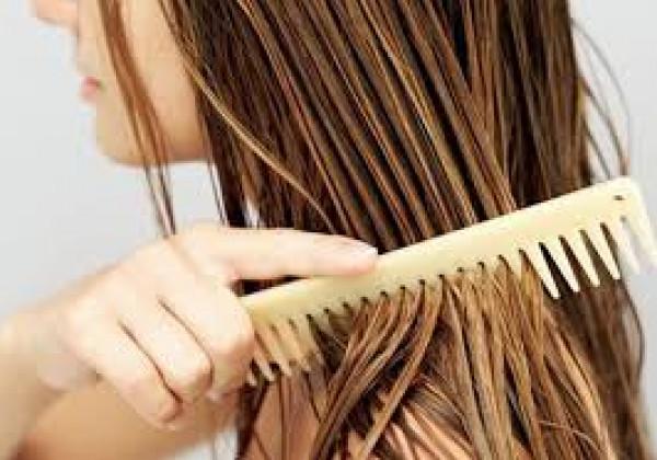 هل تسرّحين شعرك وهو مبلل؟ إذاً أنت تؤذينه