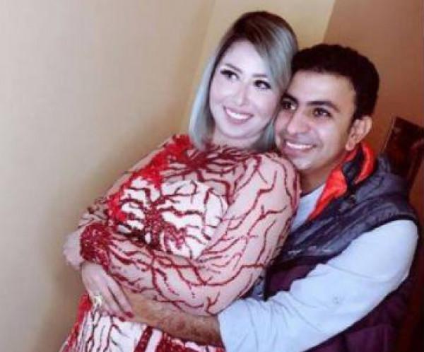 صور: بفستان أنيق ومكياج بسيط..هكذا احتفلت إيناس عز الدين بزفافها مرة جديدة