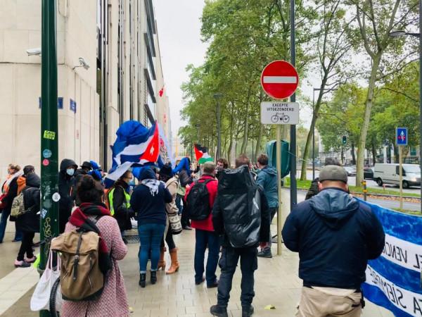 وقفة احتجاجية امام السفارة الامريكية ببروكسل رفضاً لتدخلات أمريكا بمصير الشعب الفلسطيني
