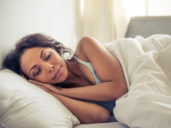 العلماء يطورون جهازاً يتتبع النوم ويتلاعب بأحلام الناس
