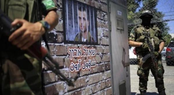 مسؤول إسرائيلي يطالب حماس بالإفراج عن الجنود الإسرائيليين مقابل علاج عريقات