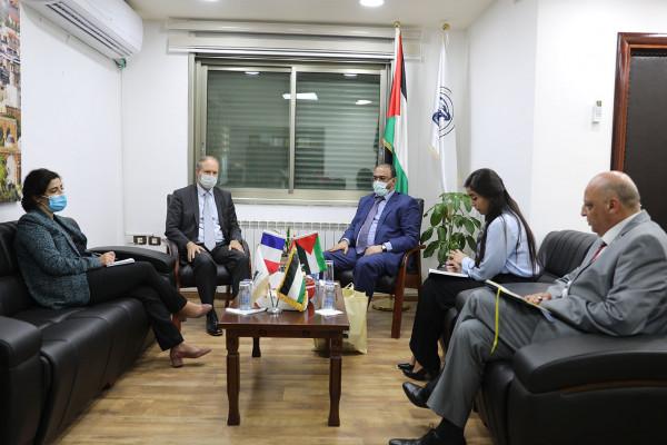 رئيس هيئة مكافحة الفساد يستقبل القنصل الفرنسي العام في القدس