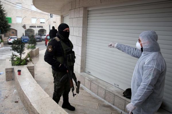 محافظ بيت لحم: إغلاق قرية حوسان لمدة أسبوع بسبب زيادة الاصابات بـ(كورونا)