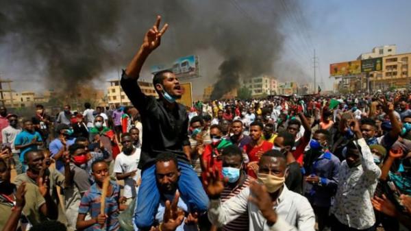 السودان: قتيل وعدد من الجرحى في اشتباكات بين الشرطة ومحتجين