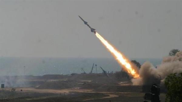 شاهد: إطلاق صاروخين من قطاع غزة والقبة الحديدية تعترض أحدهما