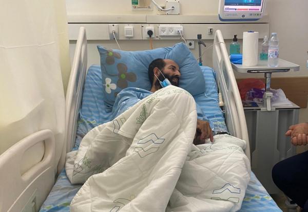 محكمة إسرائيلية تُلغي قرار نقل الأسير ماهر الأخرس لـ (سجن عيادة الرملة)