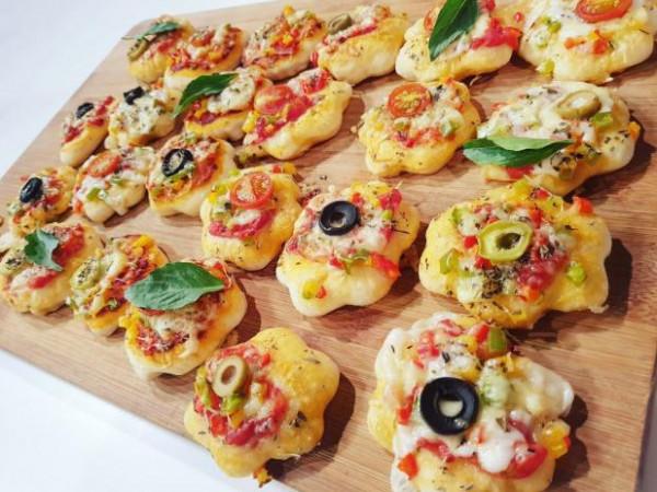 طريقة عمل ميني بيتزا 9999081995
