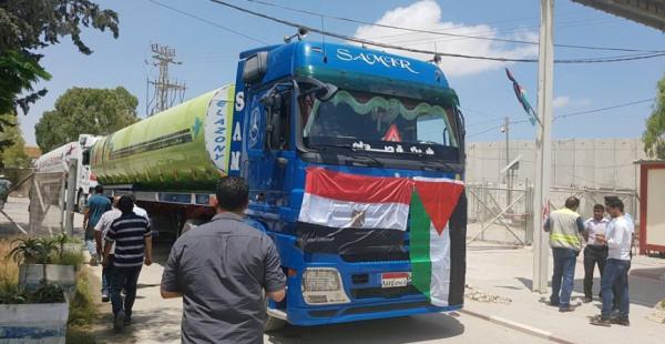 قيادي فلسطيني يُسائل سلطة الطاقة بغزة بشأن توريد الوقود المصري لمحطة التوليد