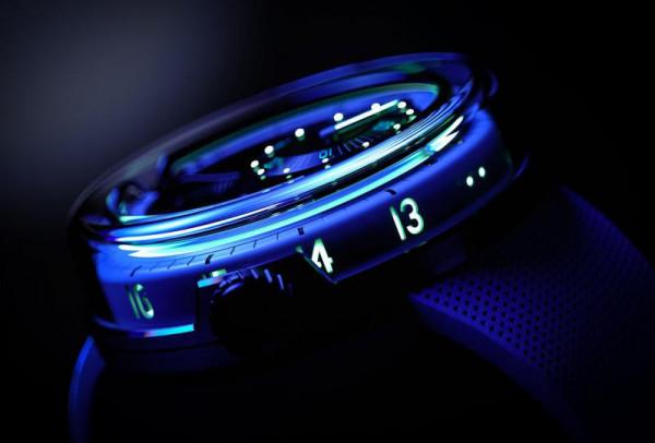 تقنية إضاءة مذهلة للإصدارات الجديدة من ساعات HYT المبتكرة