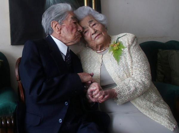 """عمرهما 215 عاما.. نهاية قصة """"أكبر زوجين في العالم"""""""