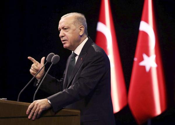 أردوغان: الوقوف أمام الهجمات التي تستهدف نبينا قضية شرف بالنسبة لنا