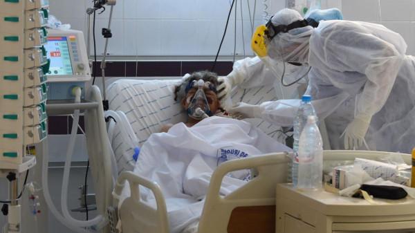 """(كورونا) في تونس.. """"الوضع خطير جدا"""" وتوقعات بتشديد القيود"""