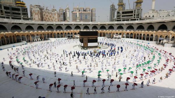 السعودية تُقرر إتاحة العمرة لكل مسلمي العالم