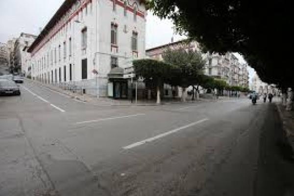 السلطات الجزائرية تطرح كل الخيارات على الطاولة لمكافحة (كورونا)