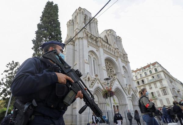 """تونس تفتح تحقيقًا في وجود تنظيم تبنى عملية """"نيس"""" بفرنسا"""
