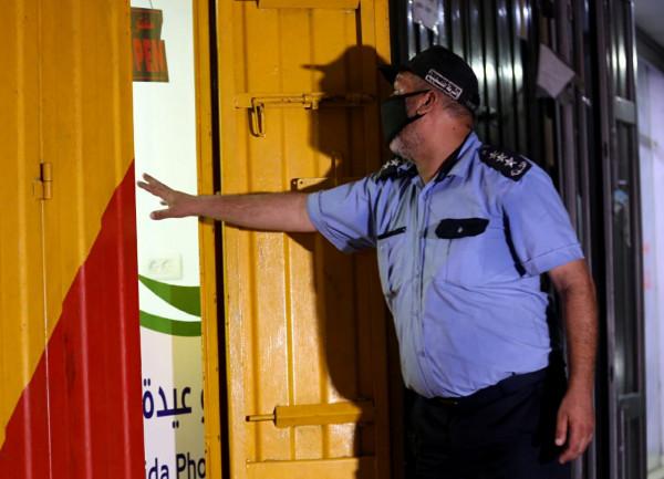 مباحث (كورونا) تُغلق 37 محلاً ومنشأة مخالفة في قطاع غزة