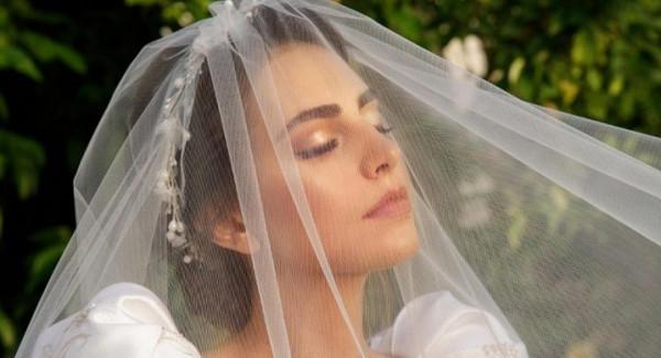 شاهدي: تصاميم سمبل لفساتين زفاف 2021