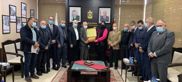 غنام تلتقي بأعضاء الهيئة الادارية لجمعية أبناء عموم محافظة نابلس