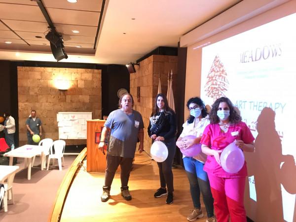 """مشروع """"بيروت تتعافى بالفن """".. ورش تدريبية فنية تستهدف ممرضي مستشفى القديس جاورجيوس"""